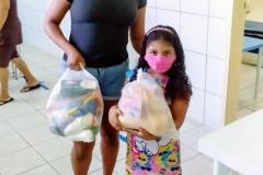 Entrega kit alimentício infantil IV e V